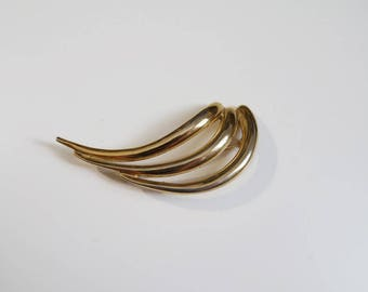 Oversized gold Tone Sculptural Brooch