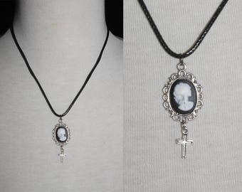 Chain 18x13 [Skull and cross-silver]