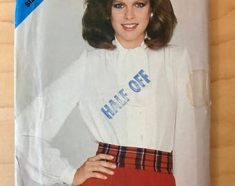 See & Sew 3865 - 1980s Loose Fitting Blouse with Long Gathered Sleeves and Tie Collar - Size 8 10 12