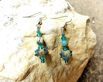 Earrings turquoise and white glitter with semi-precious stones