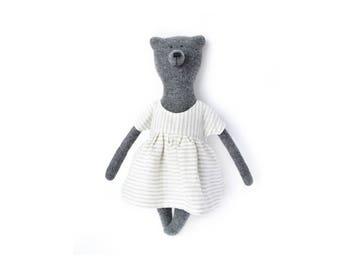 Ashley The Bear. Primitive teddy Bear. Child friendly toys. Stuffed bear toy