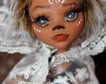 kleines Wolfsmädchen - OOAK- Monster high repaint doll