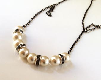 Ivory pearl necklace/ Fresh water pearl necklace/ Contemporary pearl necklace/ Gift idea