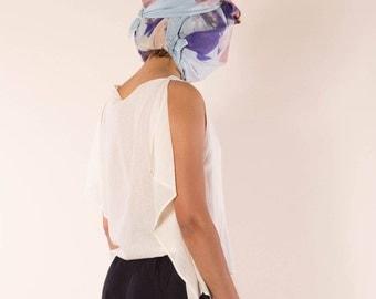 light blouse made of organic cotton in cream-white vonHirschhausen, transparent cotton top, sustainable designer shirt