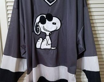 Vintage Peanuts Snoopy Joe Cool Hockey Jersey Size L-XL Funky 90s Fashion