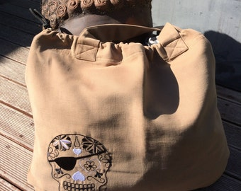 GRAND SAC TENDANCE brodé d'un motif tatoo