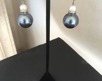Black and White Pearls Earrings by Dobka