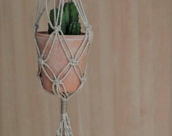 Planthanger-handmade macramé lace appendipiante