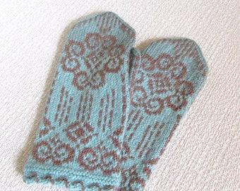 Knit mittens women Wool warm mittens Woman cable mittens Hand knitted mittens winter mittens Loved gift idea for women Valentines Day gift
