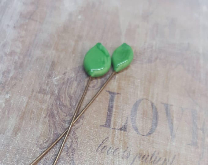 2 lampwork glass headpins, green leaves, SAHP17