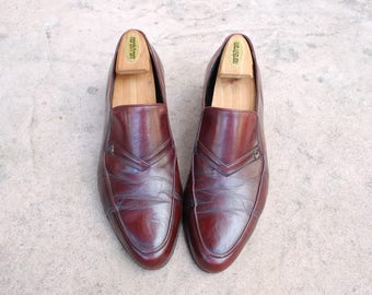 Vintage Mens 9.5d The Florsheim Shoe Burgundy Leather Slip On Loafers Oxfords Dress Shoes Pointy Toe Classic Hipster Shoes Wingtips Brogues