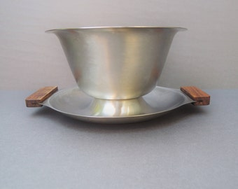 Vintage Stainless Steel Gravy Boat, Mid Century Serving Bowl, Danish Modern Bowl, Made in Japan 18 8 Stainless Steel, Scandinavian Design