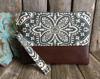 Wristlet Wallet for Iphone 7 Plus, Vegan Leather Wristlet, Iphone Wallet Case, Bridesmaid Clutch Wallet, Leather Clutch, Gray Wristlet