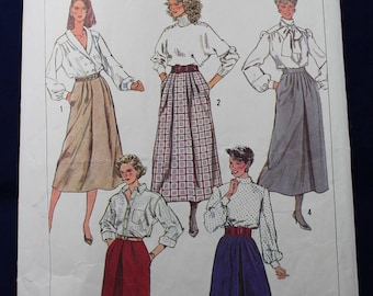 Woman's Skirt Sewing Pattern in Size 14 - Simplicity 7856