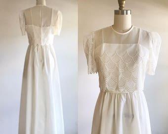 Ivory wedding dress- Simple wedding dress- Lace wedding dress- Boho wedding dress- 70s wedding dress- Bohemian wedding-Scalloped dress-Small