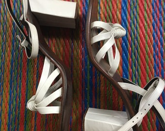 Vintage 1970s Golo White Leather Sandals - Loveknot -Strappy/Summer/Boho US Size 8M