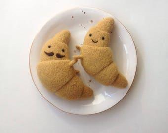 Hugging croissants)