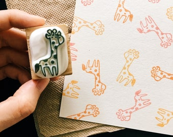 Little giraffe hand carved rubber stamp.giraffe rubber stamp.giraffe stamp.animal stamp.zoo stamp.