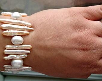 Handmade , Gorgeous cultured biwa and round freshwater stretchy bracelet