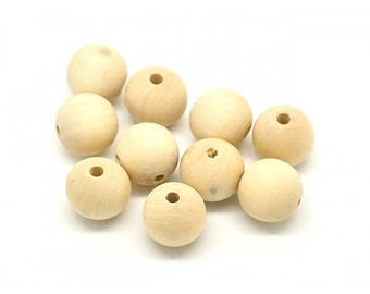 20 wooden beads 20mm round natural