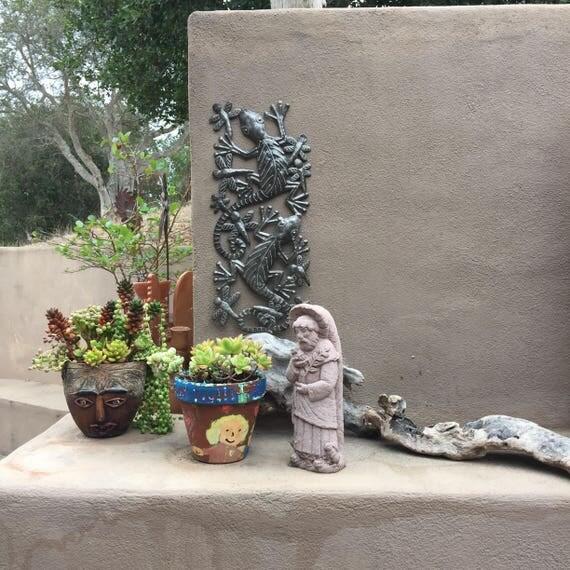 """Gecko Chasing Dragonflies, Recycled Steel Garden Art, Fair Trade, 7""""x17"""""""