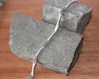 A Stylish Silver Bracelet   SKU1545