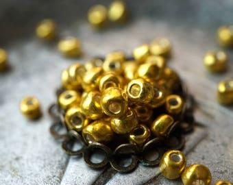 Metallic Gold, Seed Beads, Rocailles, Czech Beads, N1