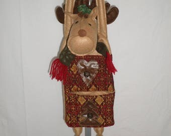 Handmade Reindeer card holder that is sew neat and has a lot of details or you can use it just for a decoration.