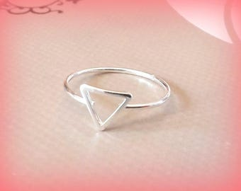 Minimalist triangle ring size 56 / 18 mm silver
