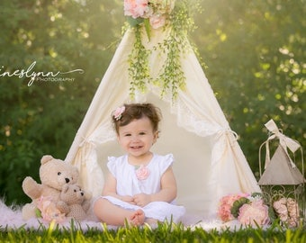 S Shabby-chic teepee with lace trim /photo prop tent / Kids play tent/ baby teepee photo prop