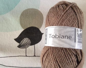 WOOL Brown TOBIANE - white horse