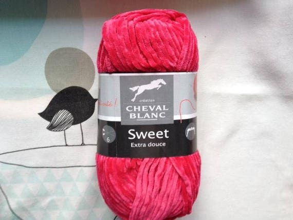 SWEET Mulberry - horse white wool