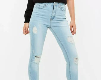 Light Wash shredded fitting Jeans
