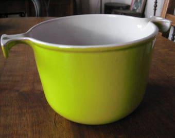 LE CREUSET! Vintage French cast iron casserole pot.
