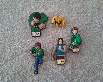 Lot 5 jibbitz Ben 10 (for fangs badges)