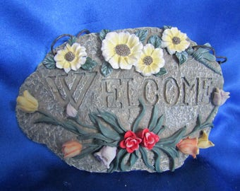 Welcome Plaque Wall-hanger, Decorated with Flowers