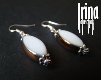 White oval glass earring with gold stripes Bead earrings Beaded earrings White glass beads Wedding earrings Handmade earrings