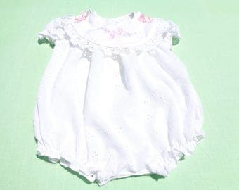 vintage peaches n cream baby girls romper size 0-3 months see measurements no size tag white eyelet with attachable bib