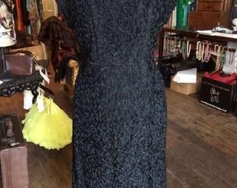 1950's original Vintage wiggle dress. Size 16-18. #Z1