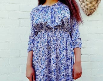 Vintage dress - festival dress - vintage dresses - size 10/12 blue and white floral print