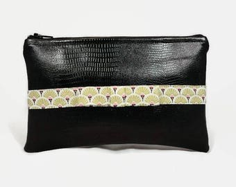 flat pouch in black faux leather and bow fabric Golden fans