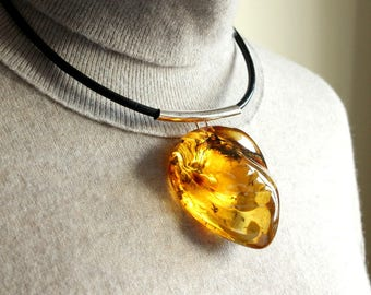 Unique amber necklace pendant, natural Baltic amber, big amber bead, necklace with leather, lemon amber jewelry, massive pendant 52 g.