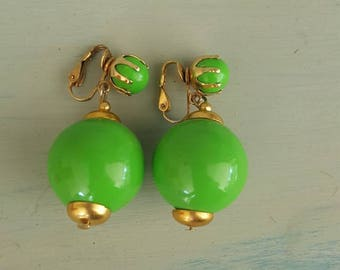 Vintage Green clip-on Earrings, Shabby Chic Jewelry, Bead Earrings, Costume Jewelry, Gold, Made  In Hong Kong