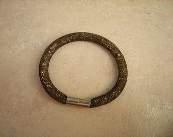 Black mesh bracelet with mini diamond gold