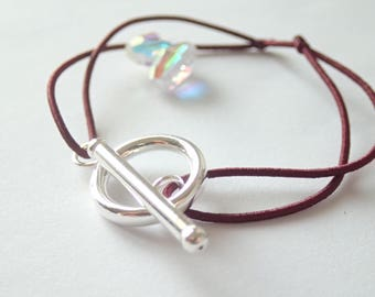 Bracelet with toggle clasp in 925 Bordeaux cord