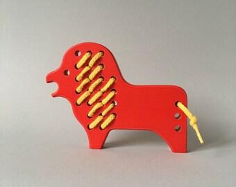NAEF Wooden Toy -  rare Lion Schnurpfeltier - Perfect Gift