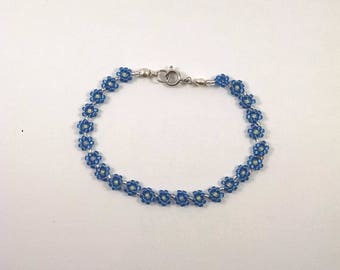 Blue Beaded Daisy Chain Bracelet, Blue Flower Chain, Boho Jewelry, Small Lightweight Daisy Chain
