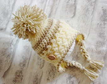 Pom Pom Hat, Newborn, Baby gift,Crochet, Knitted, Photo Prop, Baby Shower,  Wooden button, Little Man