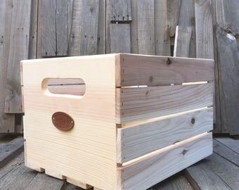 Sanctus Sound Vinyl Record Crate for LPs, Pine and Cedar