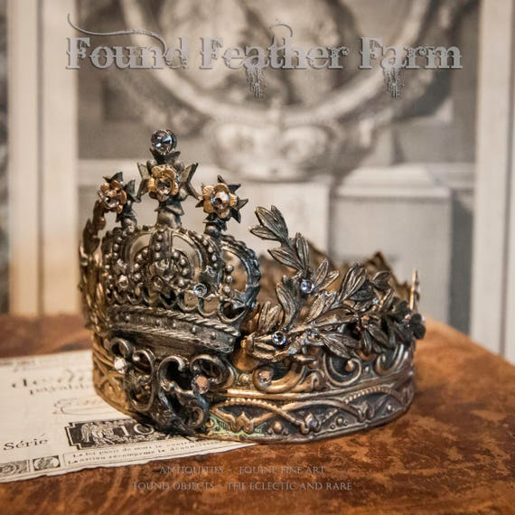 Exquisite Handmade Regal Brass Crown with Jeweled Acanthus Leaves and Pewter Centerpiece Detail